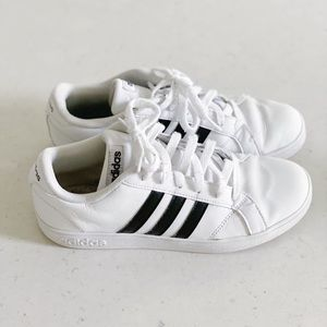 Adidas black & white sneakers shoes size 6